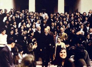 Atatürk besöker Istanbul universitet 1933