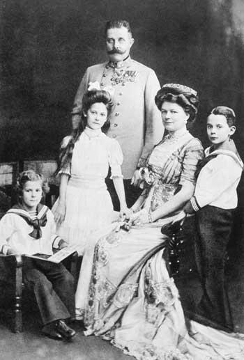 Gavrilo Princip och skotten i Sarajevo - Franz Ferdinand och Sophie med sina barn
