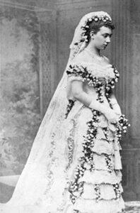 Viktoria i sin bröllopsklänning
