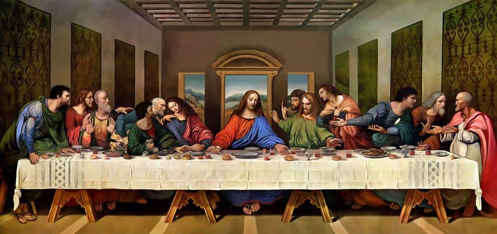 Fredag den 13 kopplas ofta samman med att Jesus Kristus korsfästes på en fredag och att de var 13 personer vid bordet under Jesus sista måltid, han och hans tolv lärjungar.